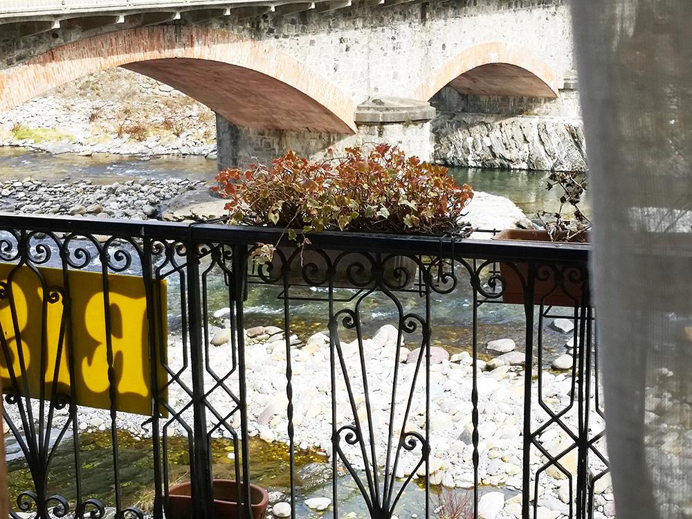 balconata esterna sul fiume Brembo 3